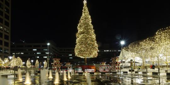 Mayor's Christmas Tree on Crown Center Square